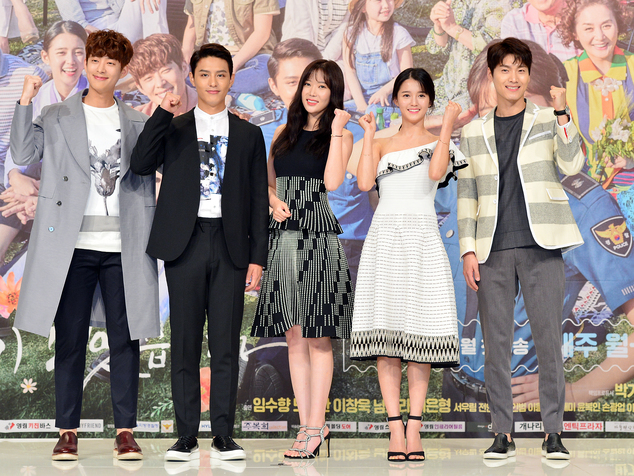EXCLUSIVE: The casts of 'Lovers in Bloom' will make us bloom