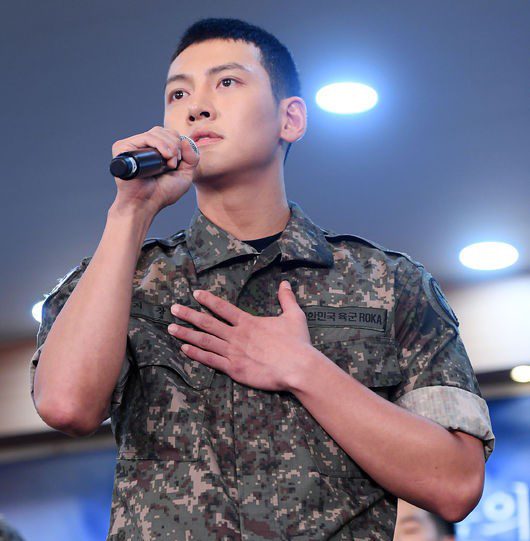 On August 14, actors Ji Chang Wook, Kang Ha Neul and INFINITE\'s Sunggyu participated in the press conference for new military musical \'Shinheung Military Academy\' (literal translation).