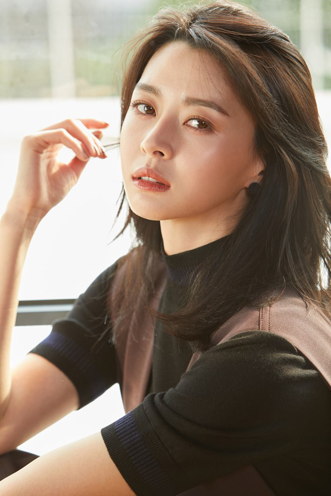 Hello Venus's Nara has been cast as the psychiatrist Han Sogeum in upcoming drama 'Doctor Prisoner.'